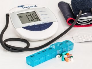 mobile app improves medication adherence