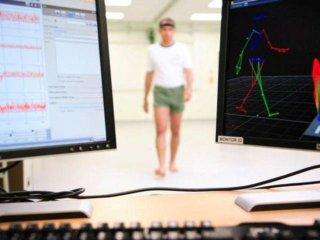 Gait analysis to detect Alzheimer's Disease