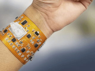 wearable device for counting blood cells