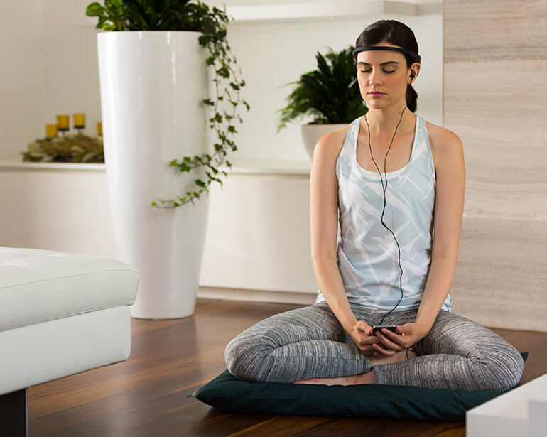brain-sensing meditation headband